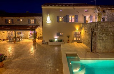 Area of Rovinj, completely renovated stone villa with pool