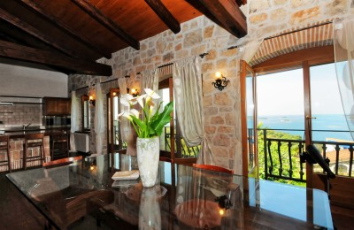 Vrsar, stone villa with magnificent views on the sea and islands
