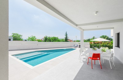 Modern villa with stunning sea view, just 1.5 km from the center of Porec