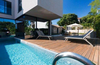 Porec, 3 km, prestigious, modern villa with pool and beautiful sea view